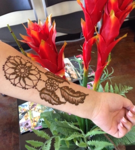 02-Sweet-Eyebrow-Threading-Henna-Tattoo-Tinting-Hair-Oil-Massage-Henna-for-Hair-UpTown-Dallas