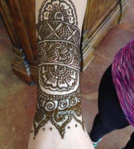 06-Sweet-Eyebrow-Threading-Henna-Tattoo-Tinting-Hair-Oil-Massage-Henna-for-Hair-UpTown-Dallas